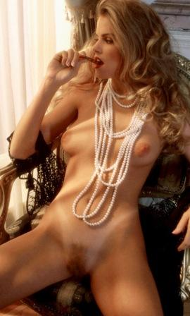 playboy playmate of the year 1995 julie lynn cialini