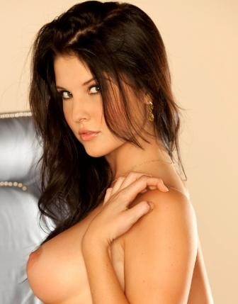 sexy model amanda cerny playboy playmate removes her bra