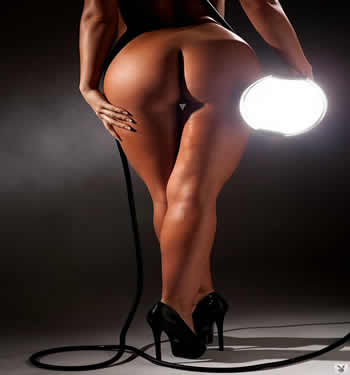 brunette nude models gallery