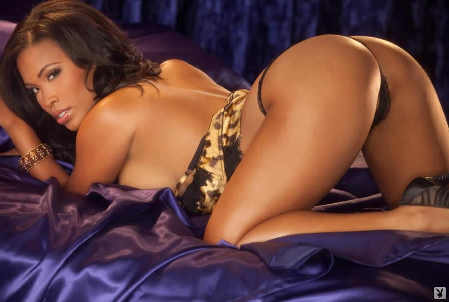 ebony nude leola bell playboy playmate february 2012 perefect round backside