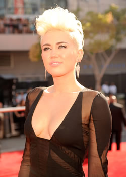 miley cyrus celebrity pics and videos